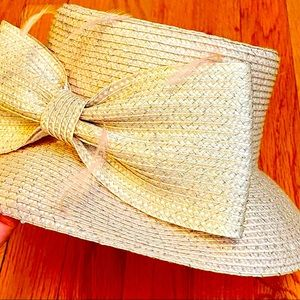 August Hat Company light pink box hat bow feathers